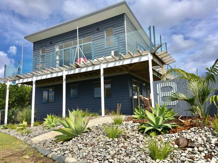 Oceans 8 - Mangawhai Heads Holiday Home