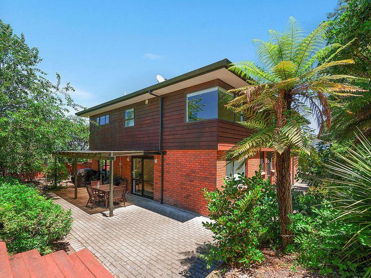 Acacia Bay Getaway - Lake Taupo Holiday Home