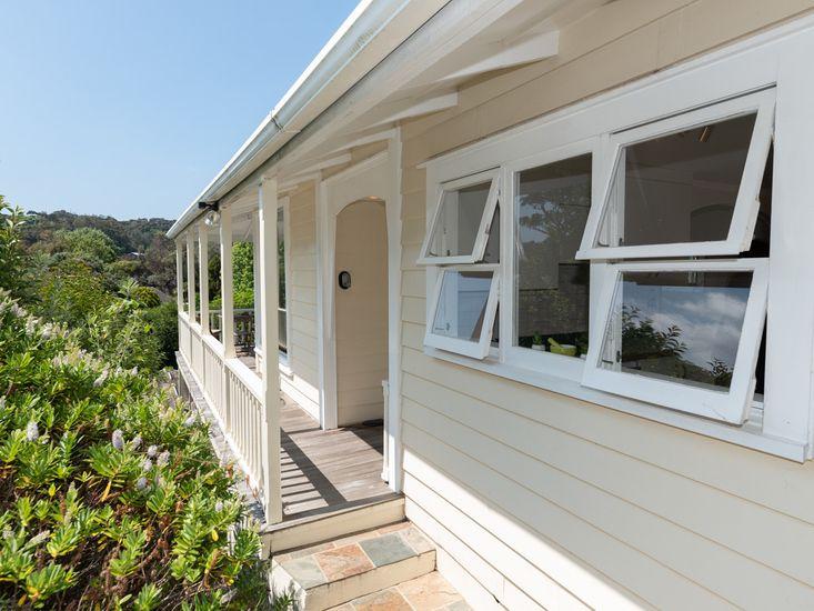 Sunny Villa in Russell