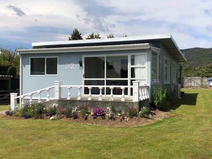 Manapouri accommodation