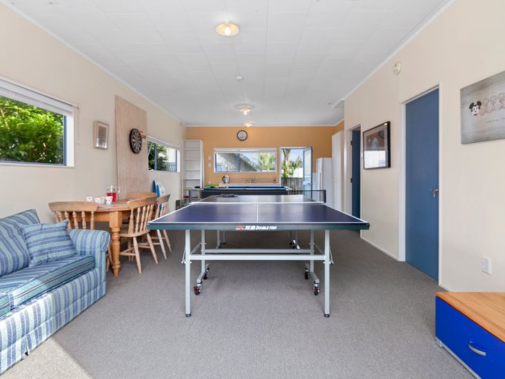 Games room with Kitchenette (external)