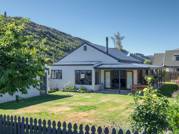 arrotwon queenstown holiday cottage