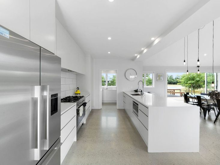 Large, fully equipped kitchen and breakfast bar