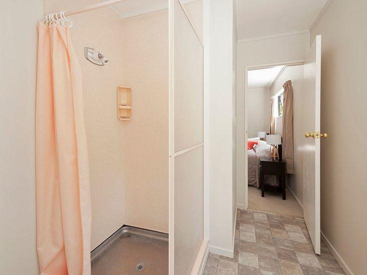 Ensuite Bathroom - Downstairs