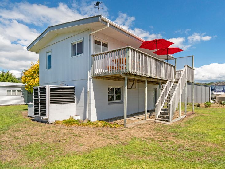 Fresh Up - Cooks Beach Holiday Home