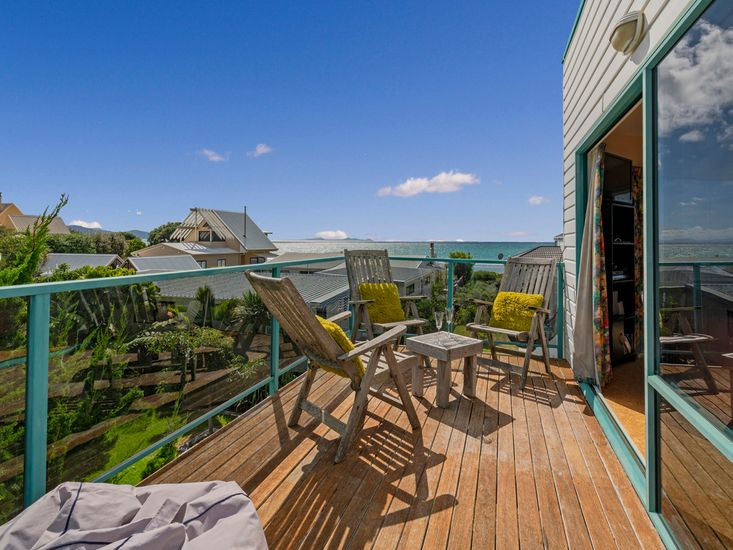 Outdoor living the sundeck