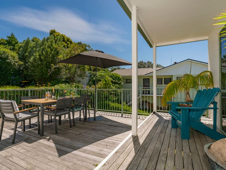 Deck and Outdoor Dining