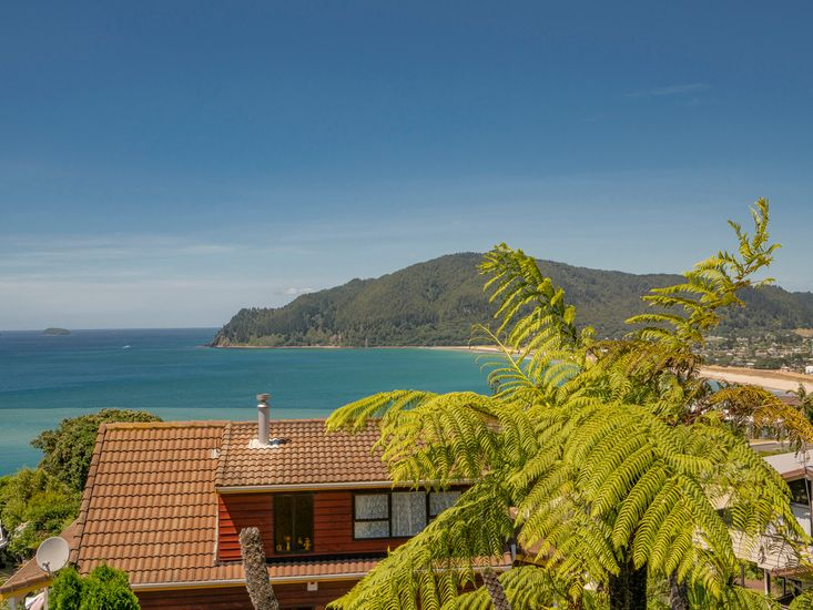 Postcard Perfect views from Picturesque on Paku!