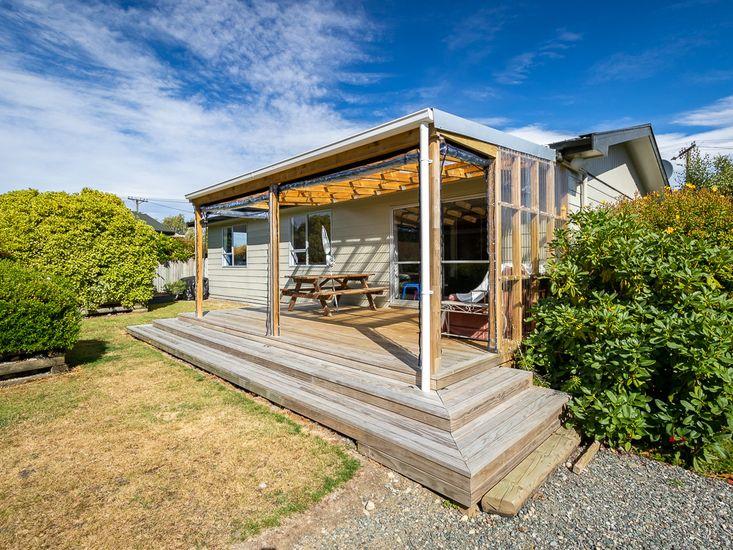 Welcome to Takahe Cabin - Te Anau Holiday Home
