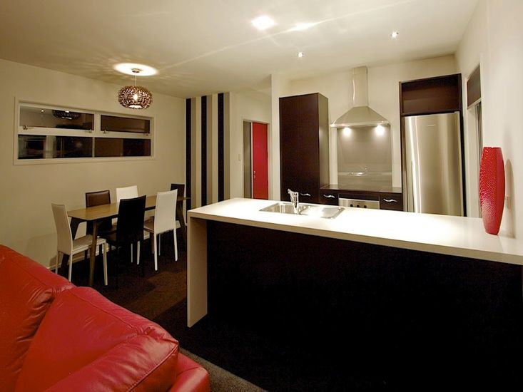 Lounge onto kitchen and dining