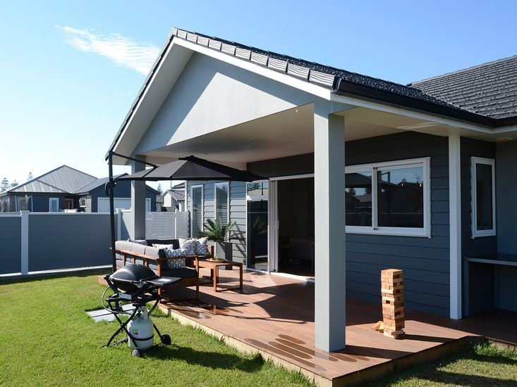 Sheltered outdoor living, dining and BBQ area!