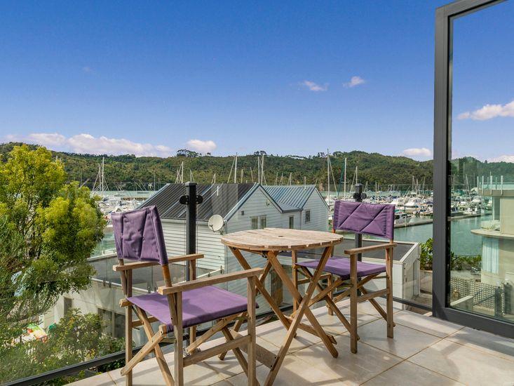 Private balcony overlooking Marina