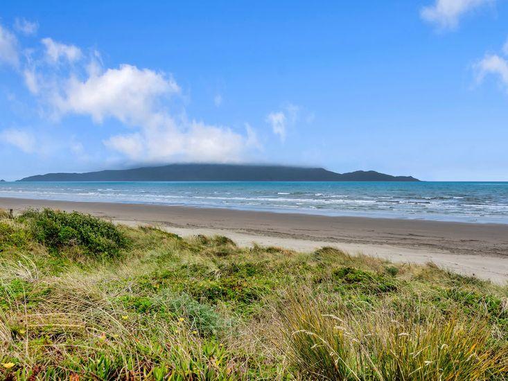Waikanae Beach
