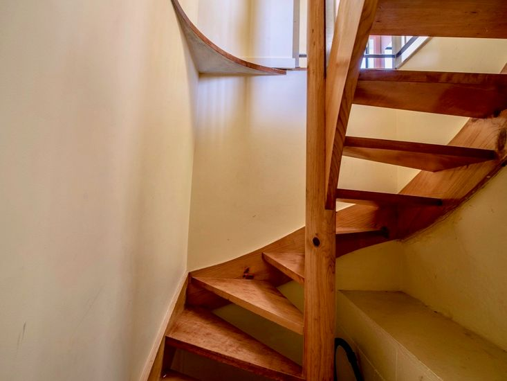 Spiral staircase to the lower level