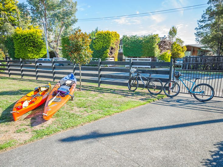 Bicycles and kayaks available