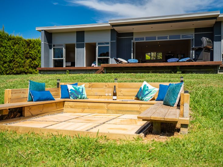 Built-in Outdoor Suite