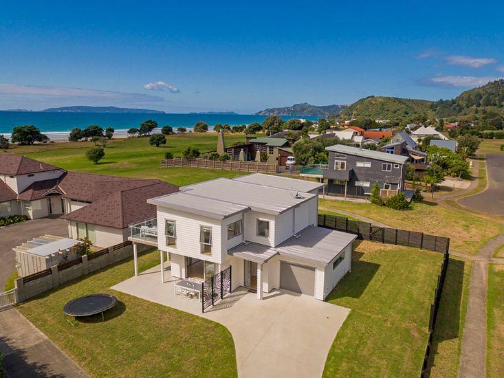 Coastal Pearl - Matarangi Holiday Home