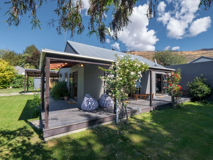 Haven on Heuchan - Wanaka Holiday Home