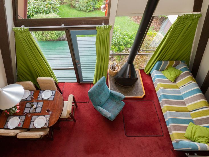 Cherry Ripe - Bright and Funky Ohakune Holiday Home