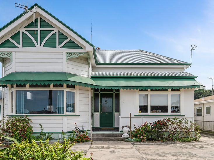 Leica Stay - Napier Holiday Home