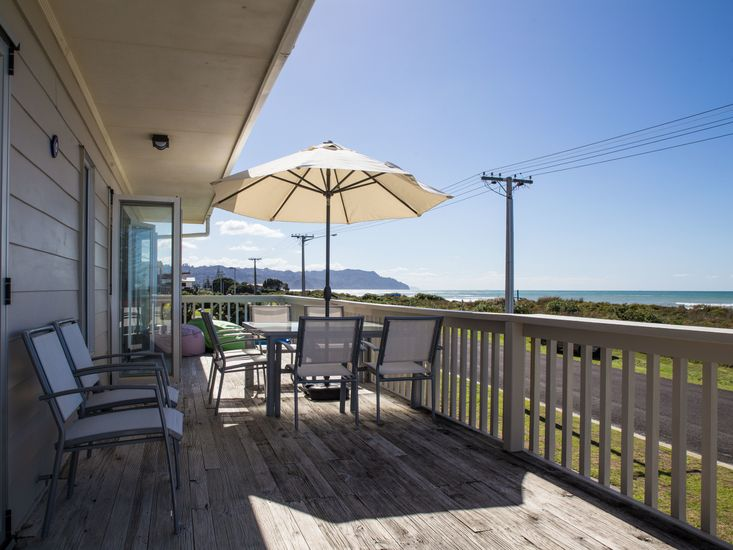 Views and outdoor living and dining on the deck!