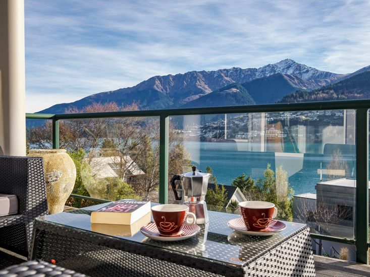 Holiday living with stunning views