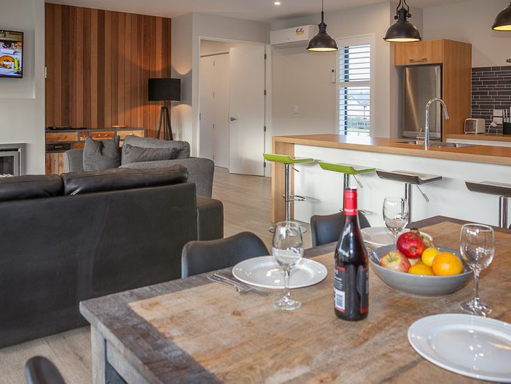 Open plan dining, lounge and kitchen