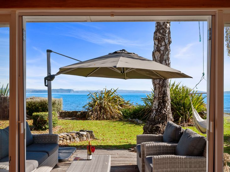 North Cole Cottage - Hatepe Holiday Home