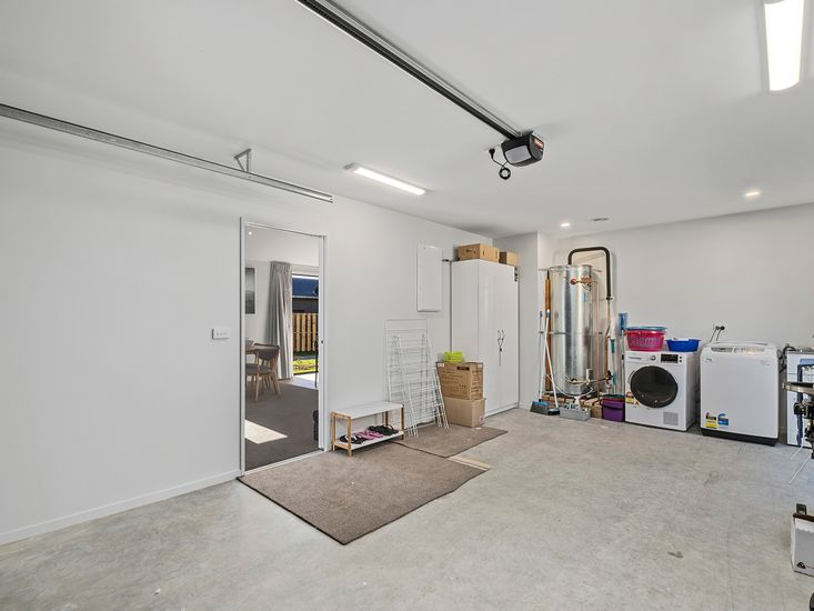 Garage and laundry facilities