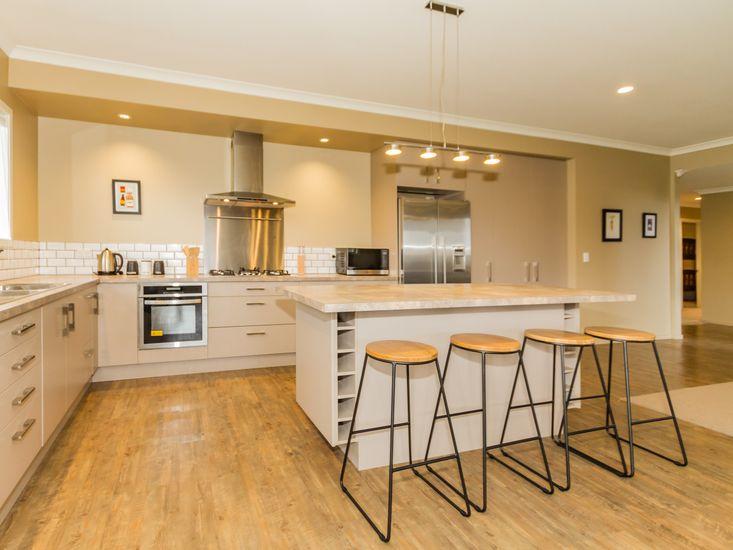 Large modern kitchen and breakfast bar