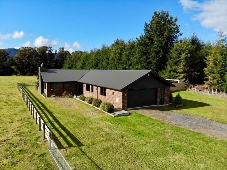 Pinetree Lodge - Ohakune Holiday Home