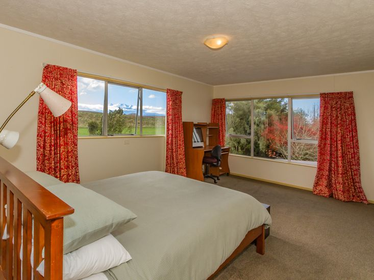 Master bedroom - Views of Mt Ruapehu out the window