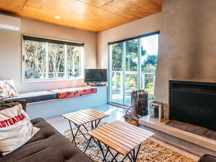 Lounge area - around fireplace