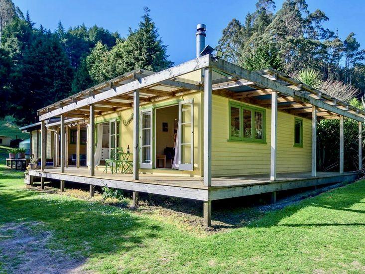 Back of Beyond Cottage - Lake Rotoehu Holiday Home