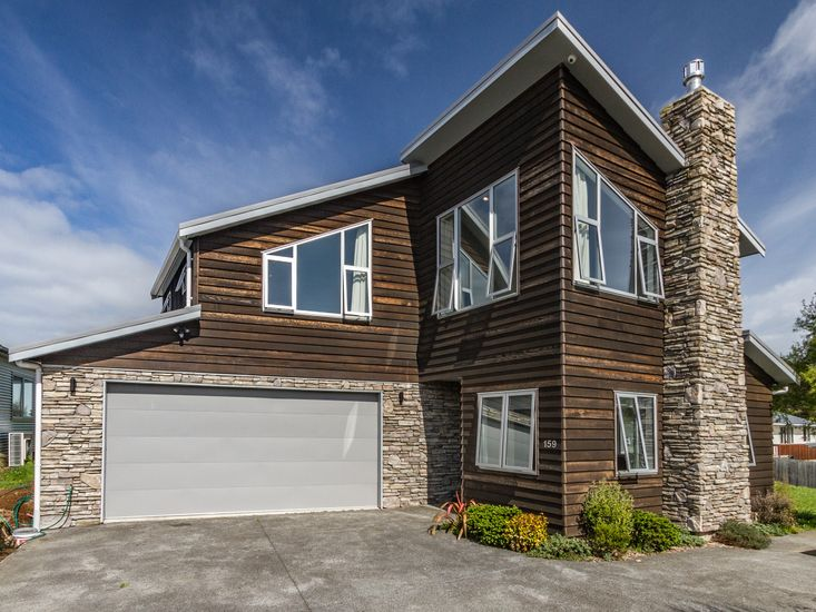 The Timber Manor - Ohakune Holiday Home