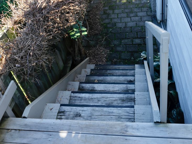 Stairs from sundeck to garden