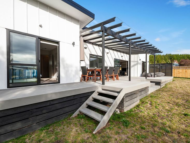 Large sundeck for outdoor living and dining