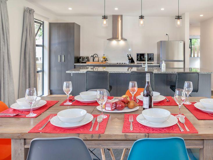 Dining onto kitchen