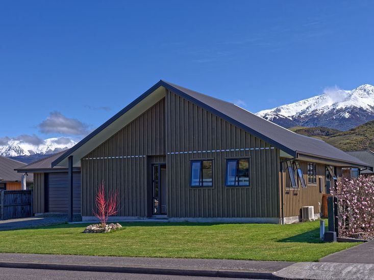 Retreat By The Green - Hanmer Springs Holiday Home