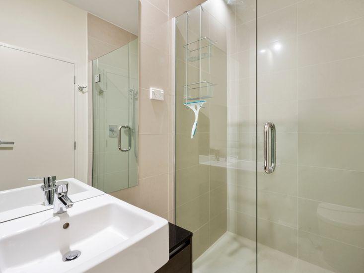 Bathroom 2 - Second floor