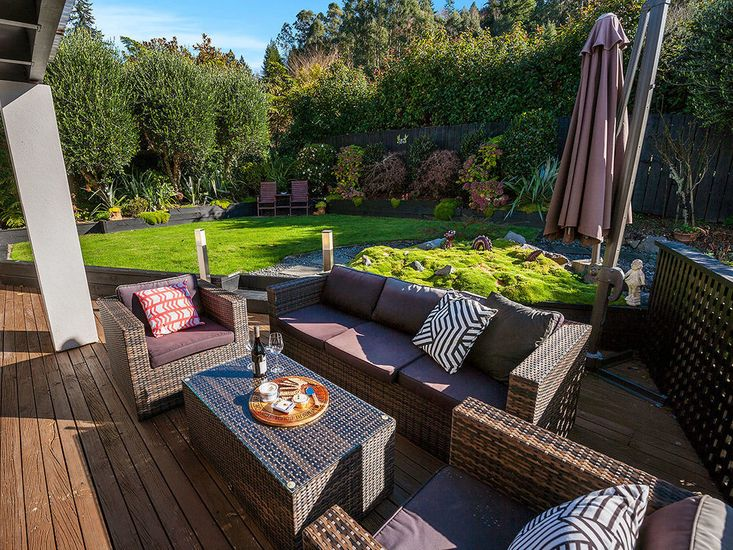 Outdoor living and dining area in the garden