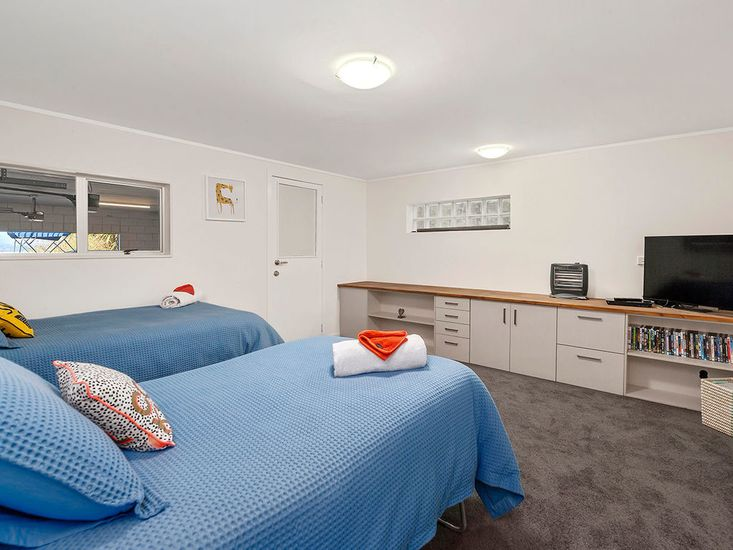 Bedroom 6 - Level 1