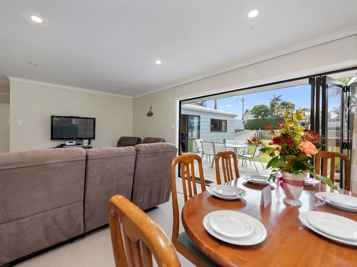 Dining onto kitchen and sundeck