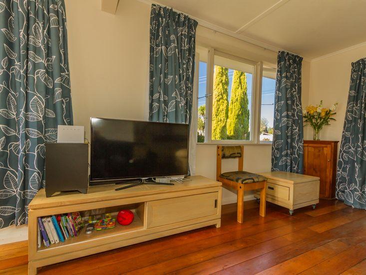TV / Living Area