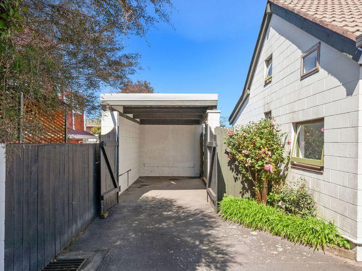 Single garage space