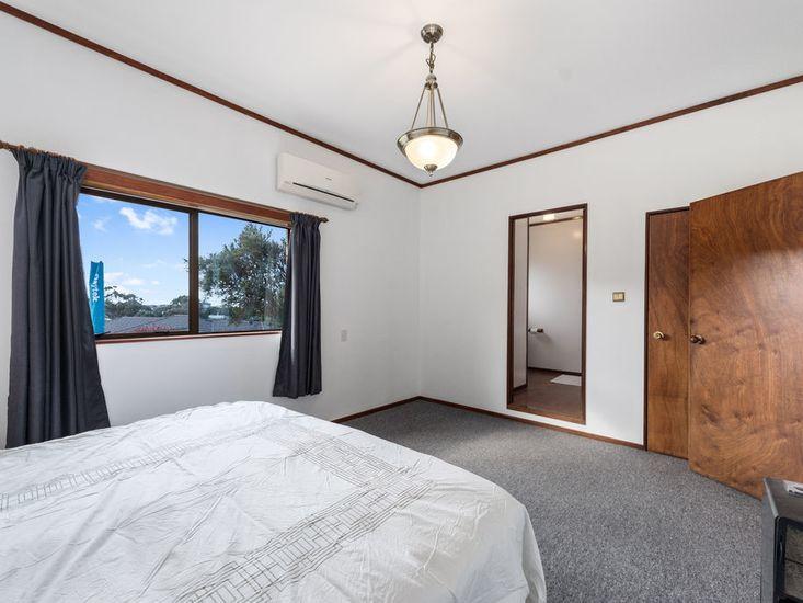 Master Bedroom/ Bathroom
