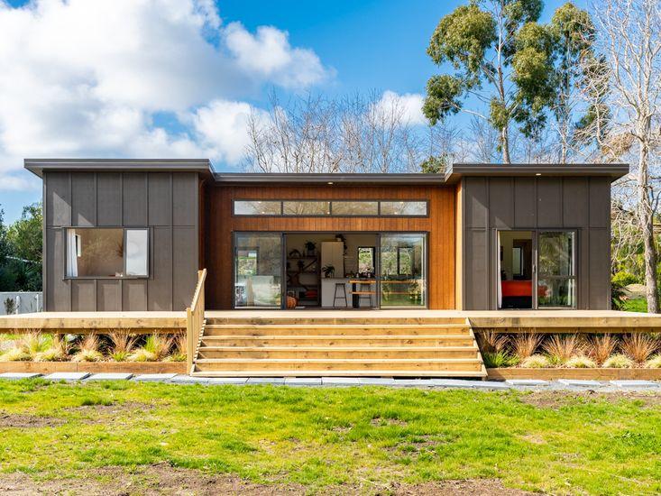 Deck / House