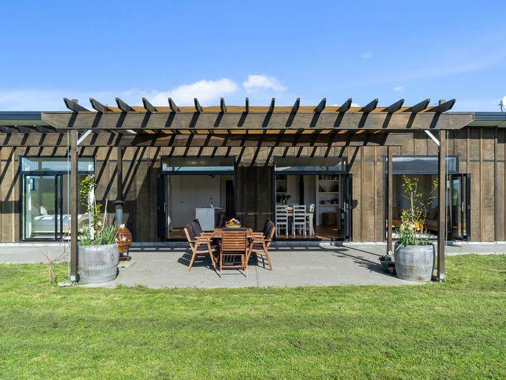 The Modern Farmstead - Greytown Holiday Home