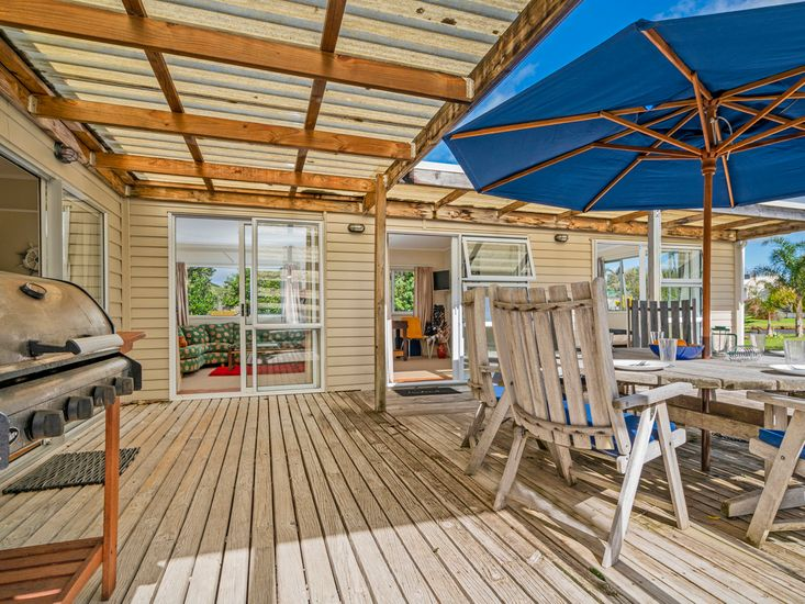 Front deck area