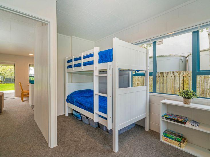 Left-hand unit - Bedroom